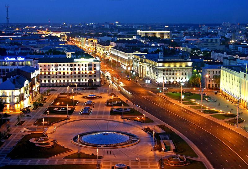 Город Минск ночью
