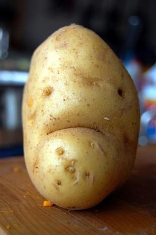 грустная картошка