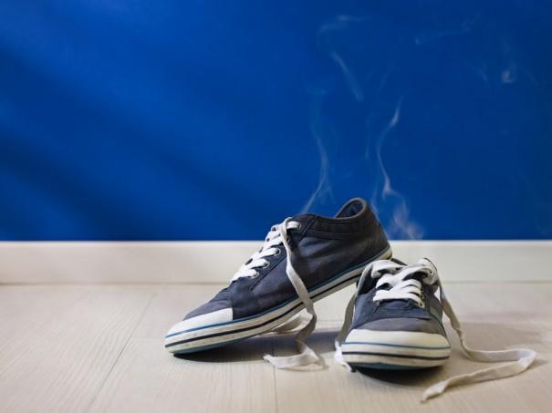 Как избавить свою обувь от запаха