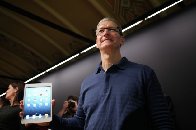Tim Cook with iPad mini