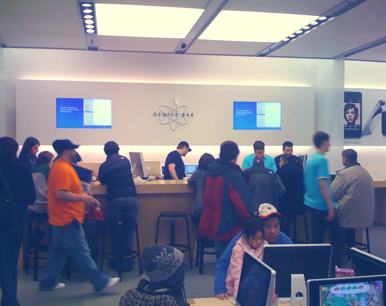 Вместо анекдотов: разговоры в американских Apple Store