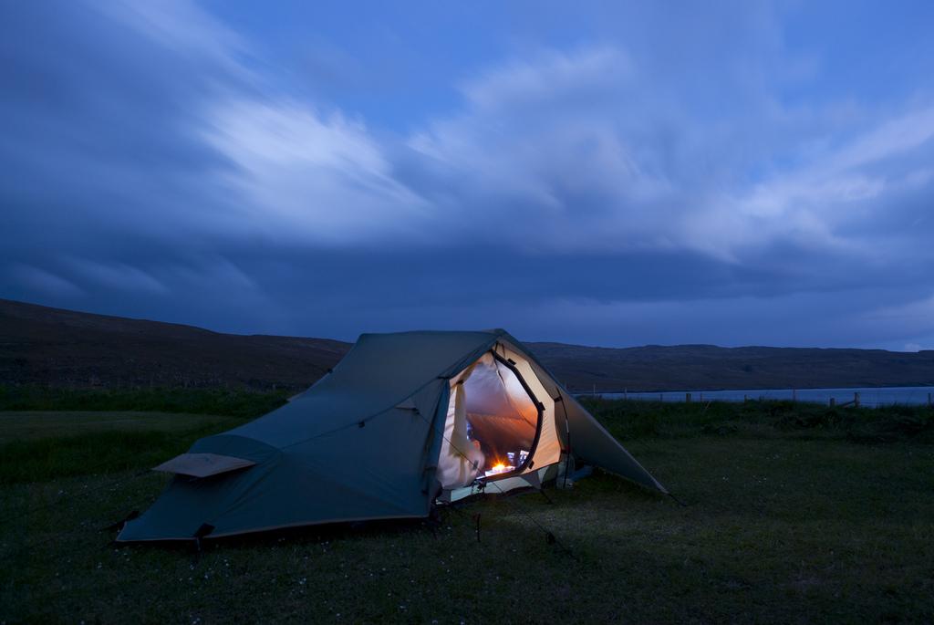 Трекинговая палатка
