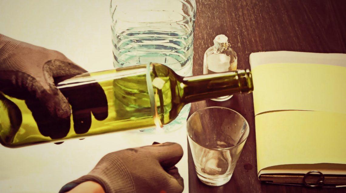 ВИДЕО: Как разрезать стеклянную бутылку вдомашних условиях