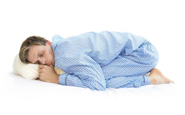 ИНФОГРАФИКА: Как выбрать безболезненную позу для сна