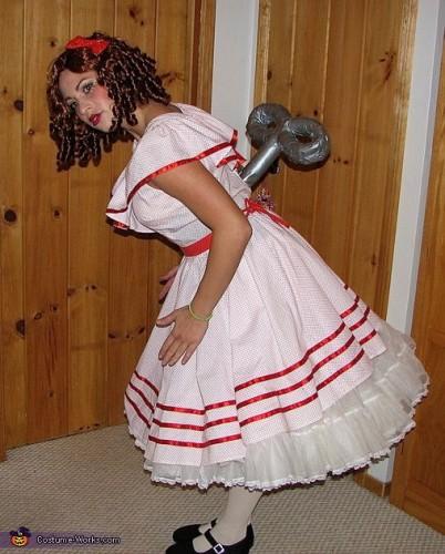 Заводная кукла