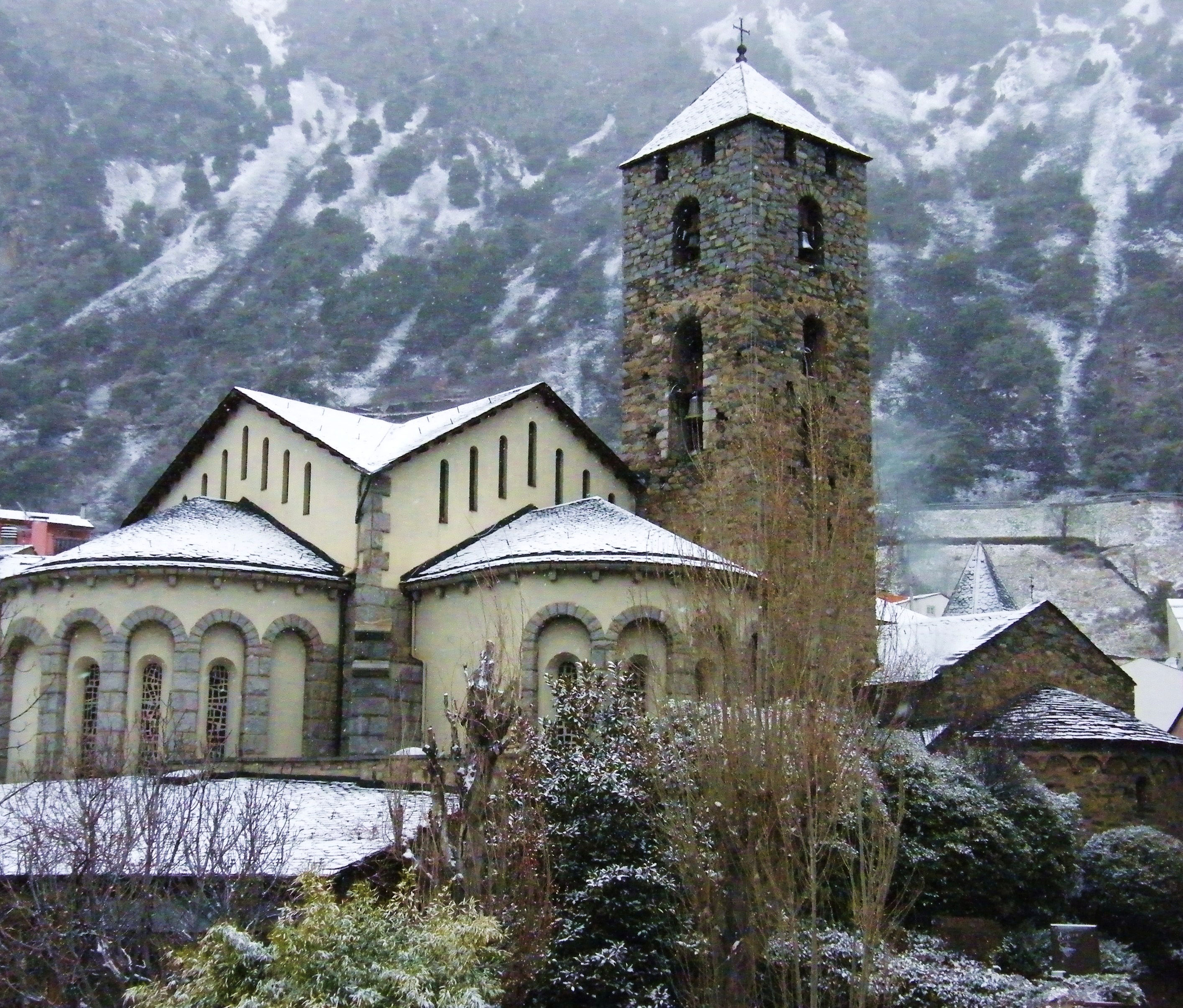 Церковь Сан-Эстеве