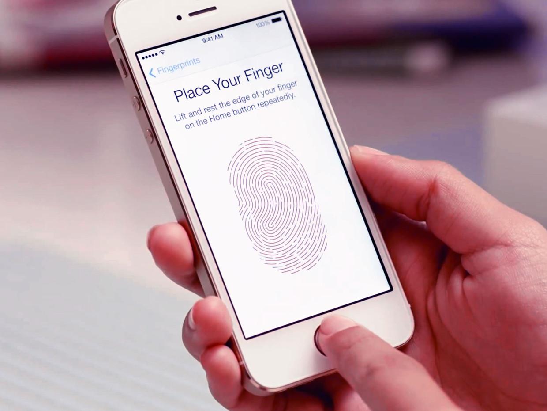Пользователи обязаны предоставить полиции доступ к iPhone, защищенному Touch ID