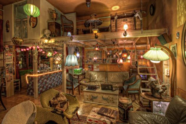 Lavender Circus Hostel room