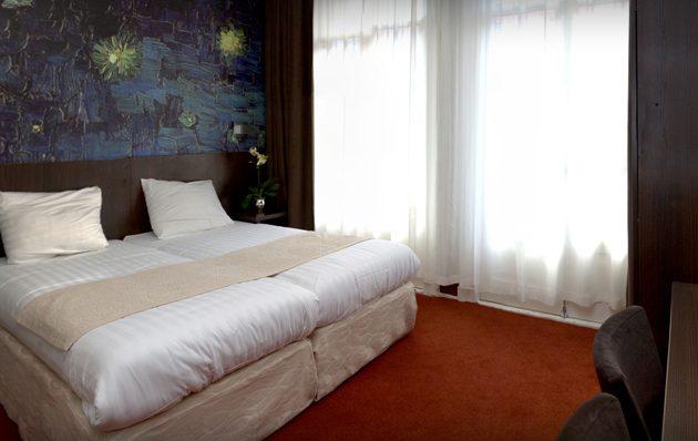 Van Gogh Hostel 1