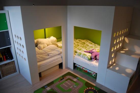 Как сделать двухуровневую угловую детскую кровать