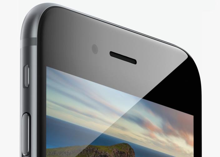 Apple заменит дисплеи в новых iPhone с LCD на OLED