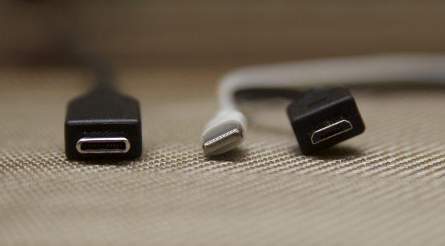 Слева направо: USB Type-C, Lightning, micro USB
