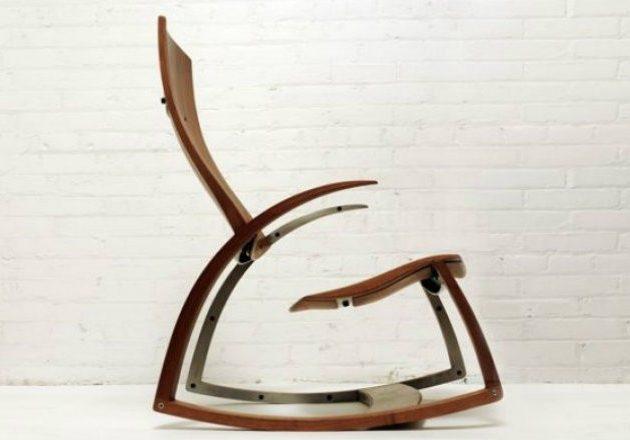 Оригинальный стул-качалка из древесины ореха
