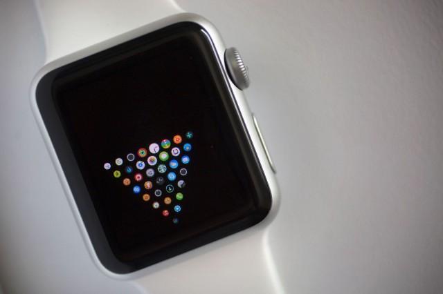 Пользователи Apple Watch создают необычные рабочие столы