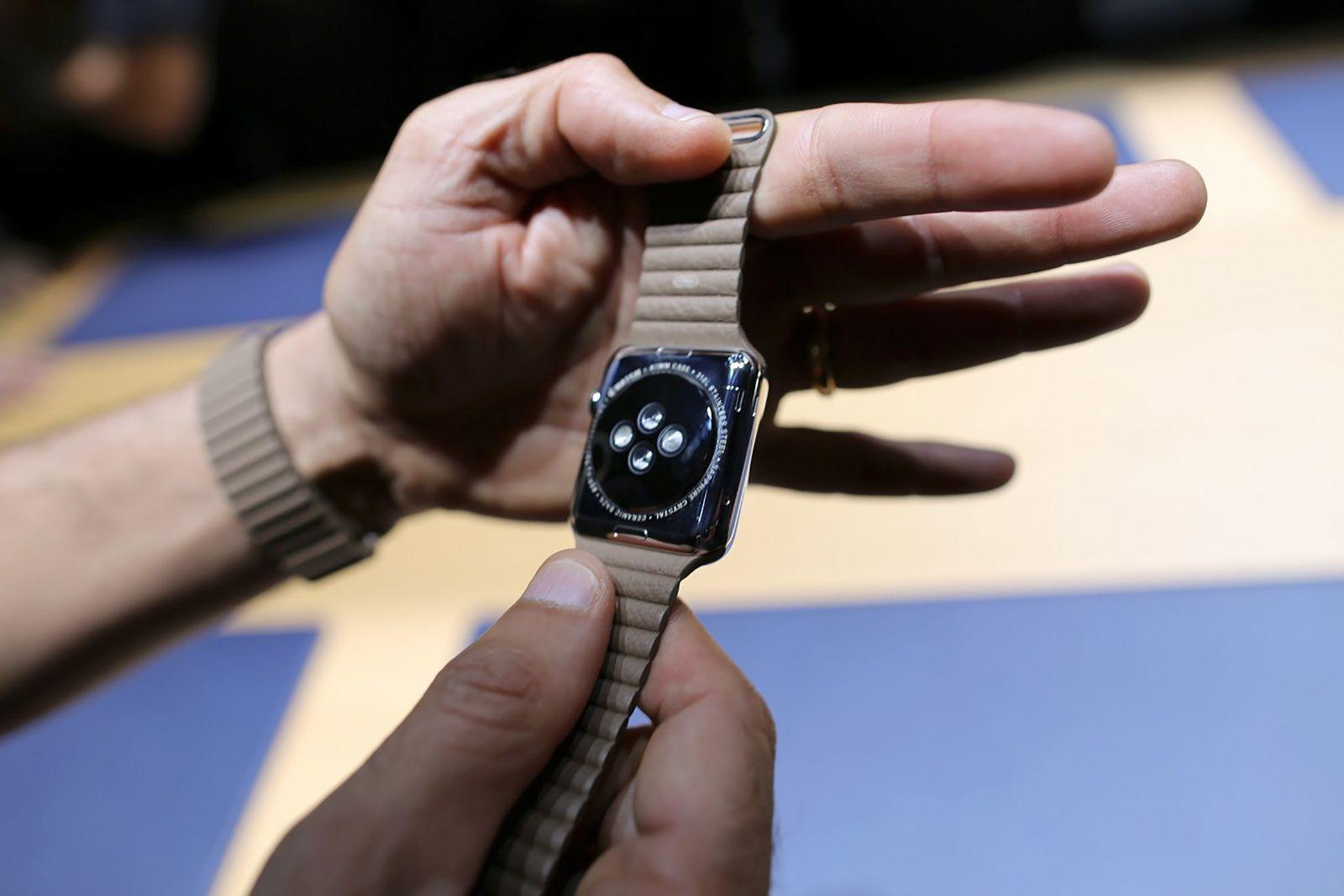 Apple Watch плохо работают на татуированных запястьях