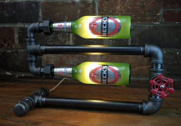 Лампа в стиле индастриал с бутылками из-под любимого пива