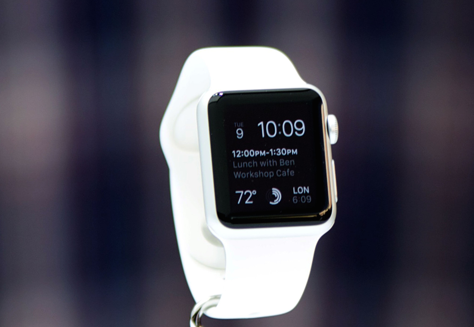 Apple Watch перемололи в блендере (ВИДЕО)
