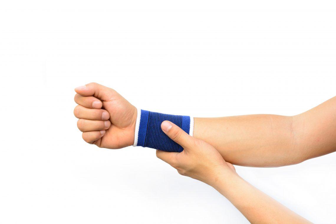 Упражнения, которые помогут избавиться от боли в запястье