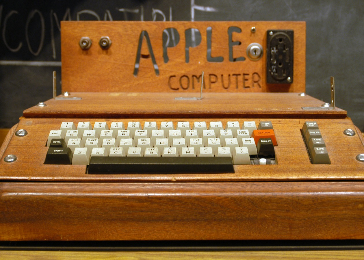 Американка сдала в утиль компьютер Apple I стоимостью 200 тысяч долларов