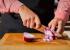 Кулинарный лайфхак: как мелко нарезать лук и не повредить пальцы