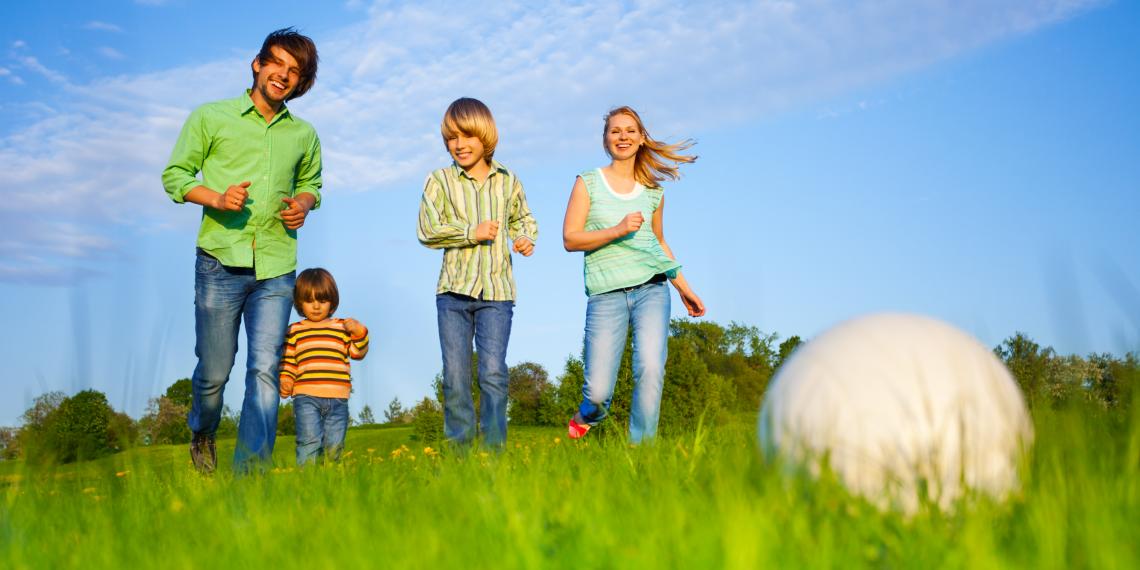 5 причин поехать с ребёнком в семейный лагерь