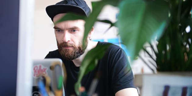 Рабочие места: Никита Обухов, дизайнер и основатель сервиса Tilda Publishing