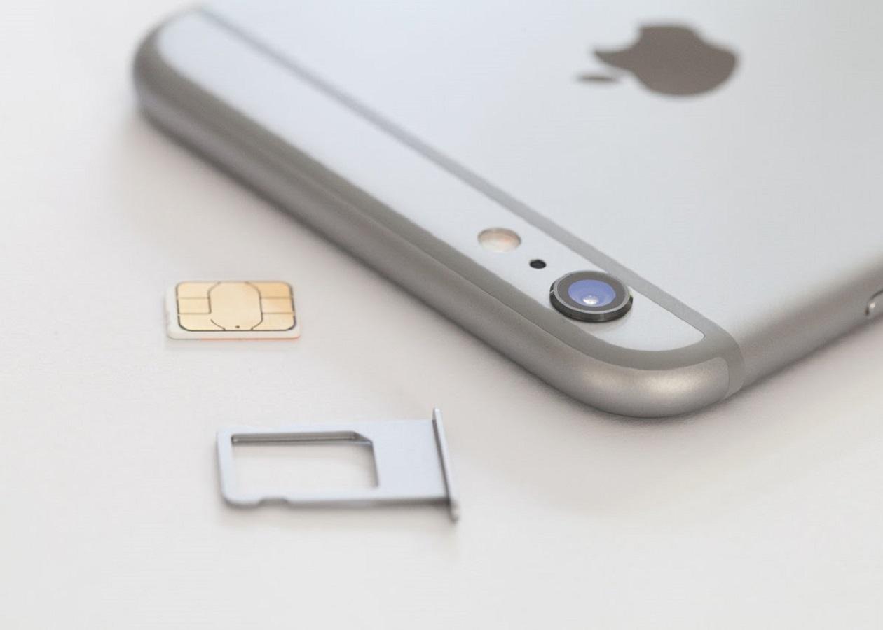Apple и Samsung хотят отправить традиционные SIM-карты на свалку