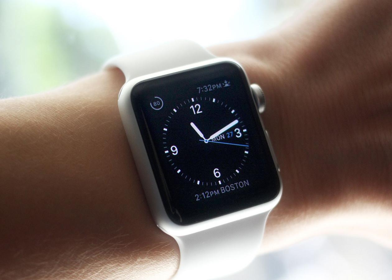 За месяц в России продали всего несколько тысяч Apple Watch