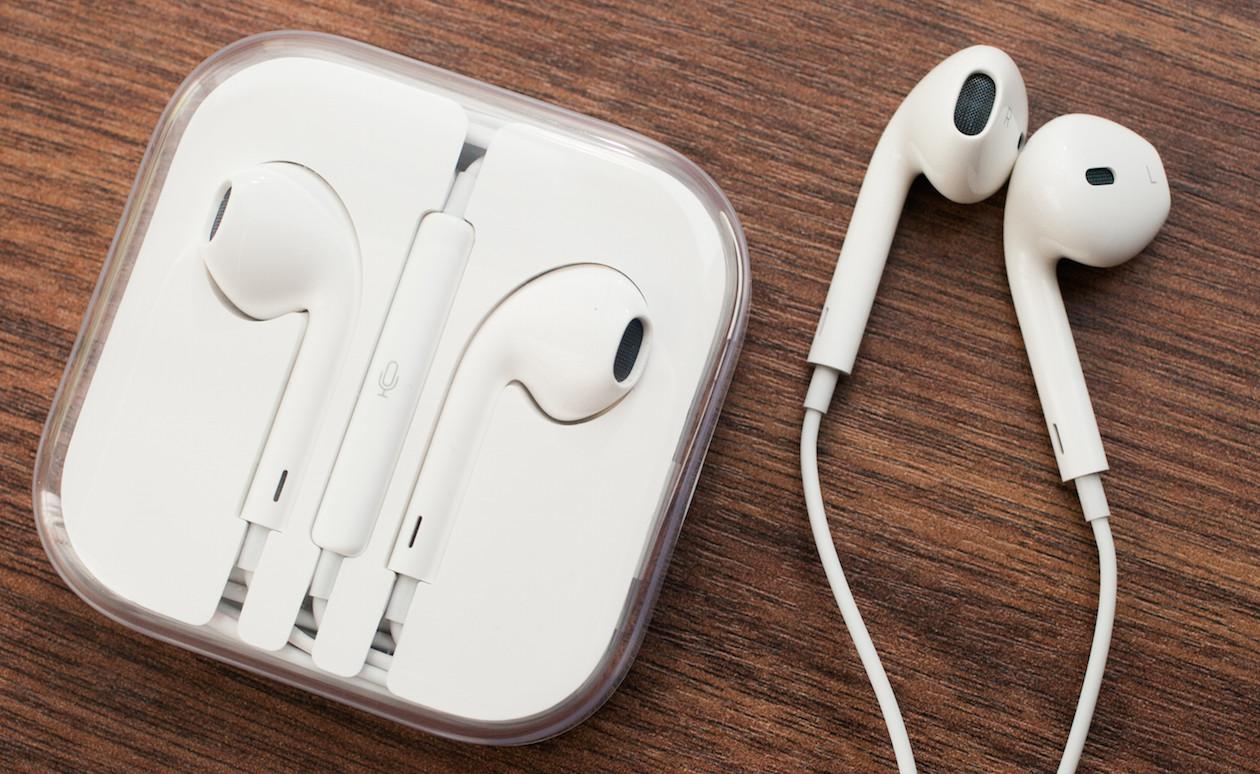 Apple работает над новым поколением наушников EarPods