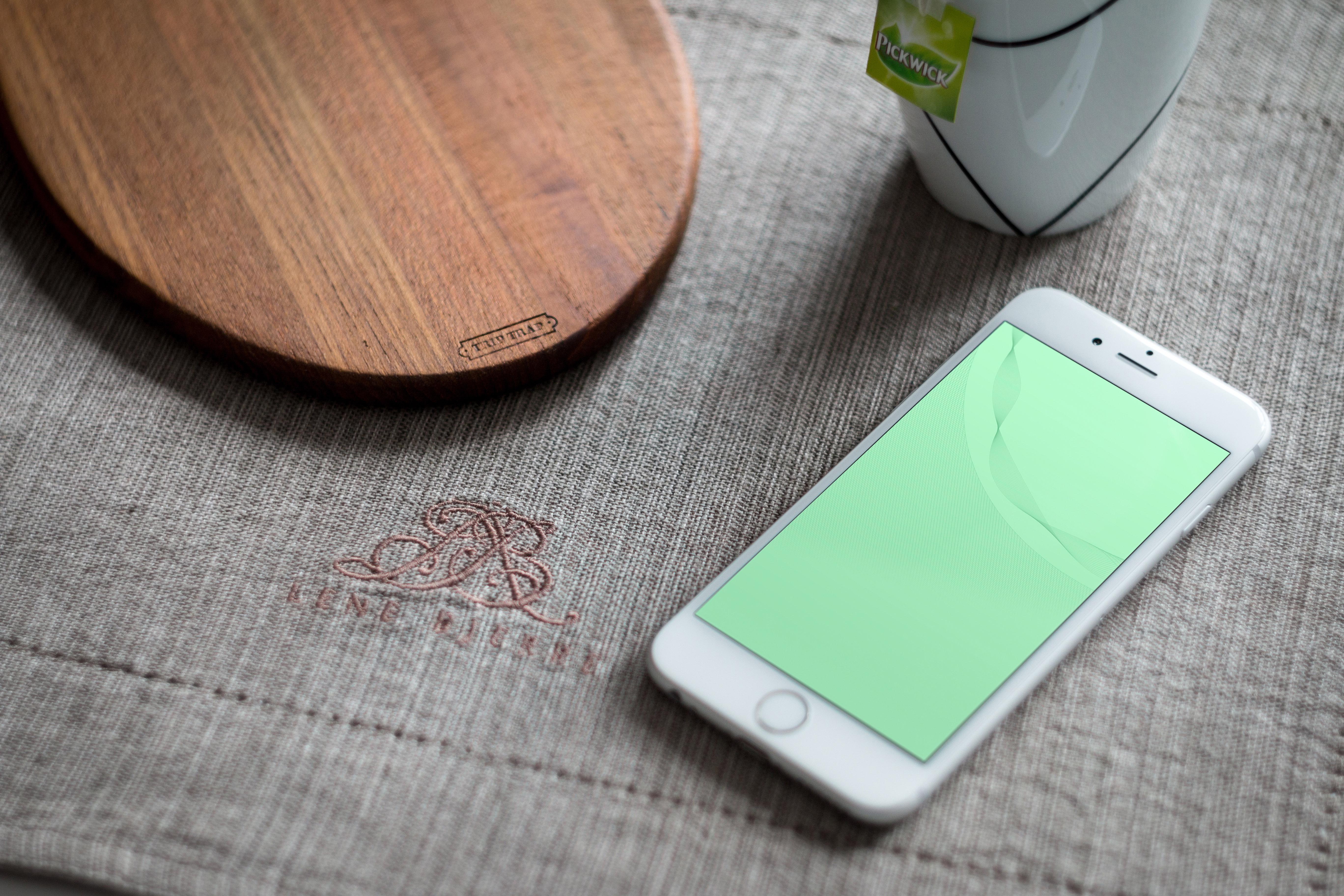 Обои из последней рекламной кампании Apple для iPhone, iPad и Mac
