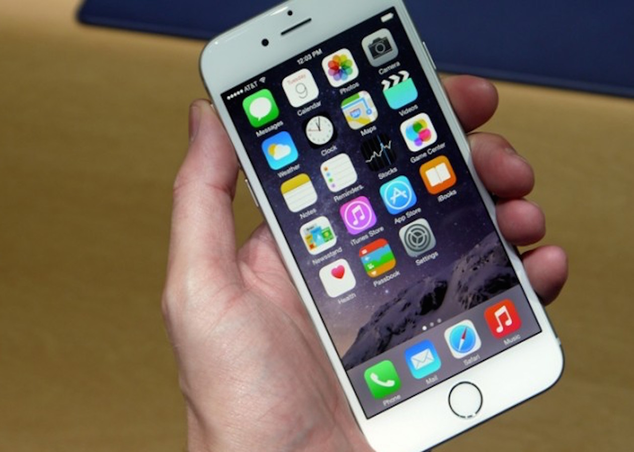 iPhone научится определять грязь на экране и отключать сенсоры