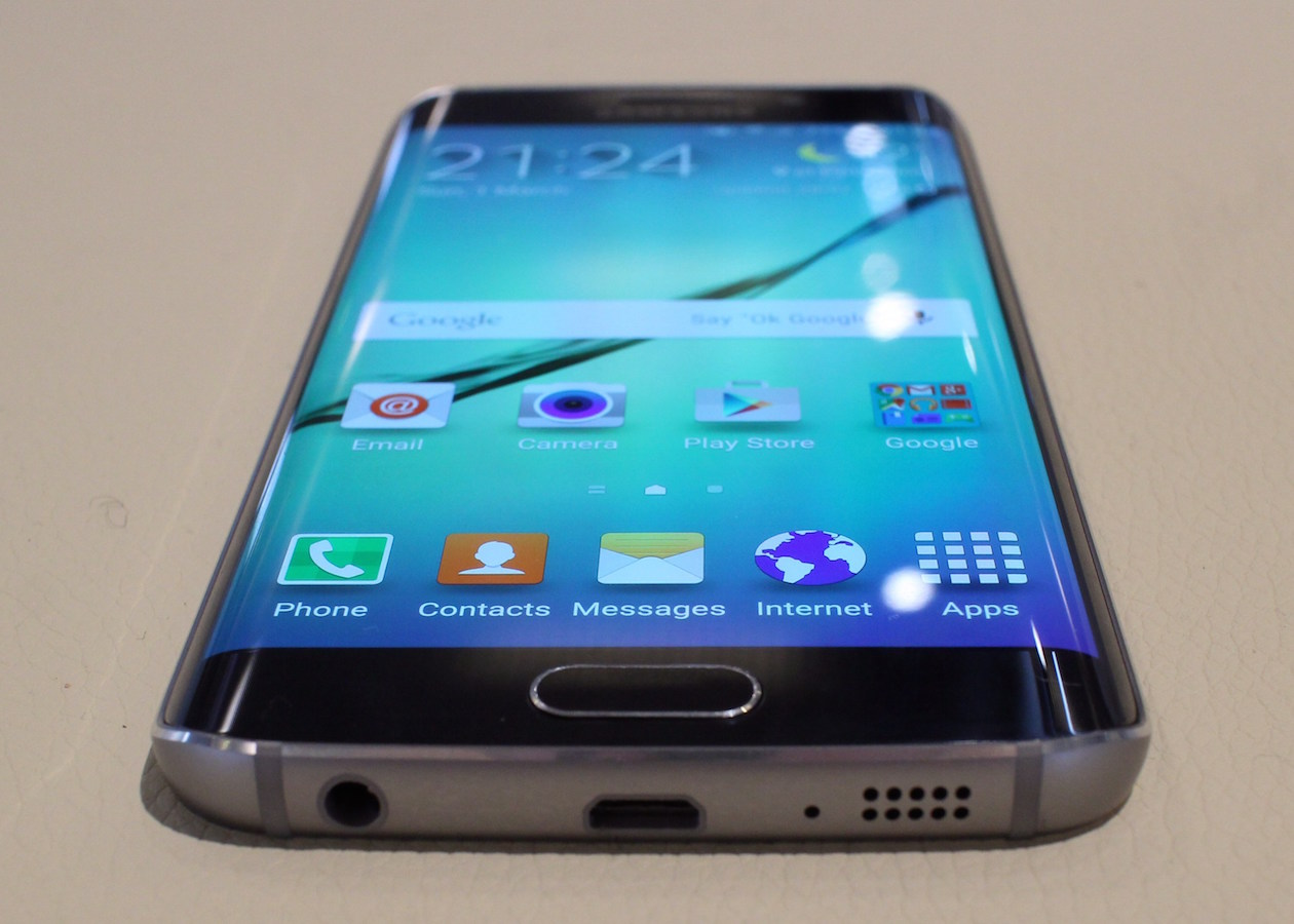 Samsung предлагает владельцам iPhone свои флагманы на месячный тест-драйв
