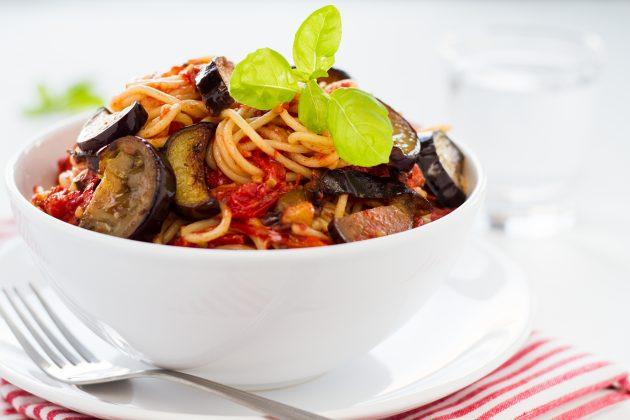 Блюда из баклажанов: заправка для спагетти