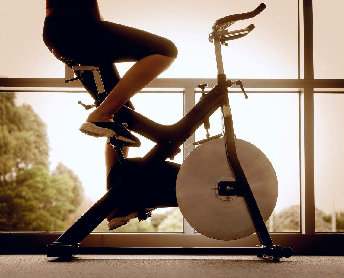 Как занятия на велотренажёре могут увеличить скорость бега