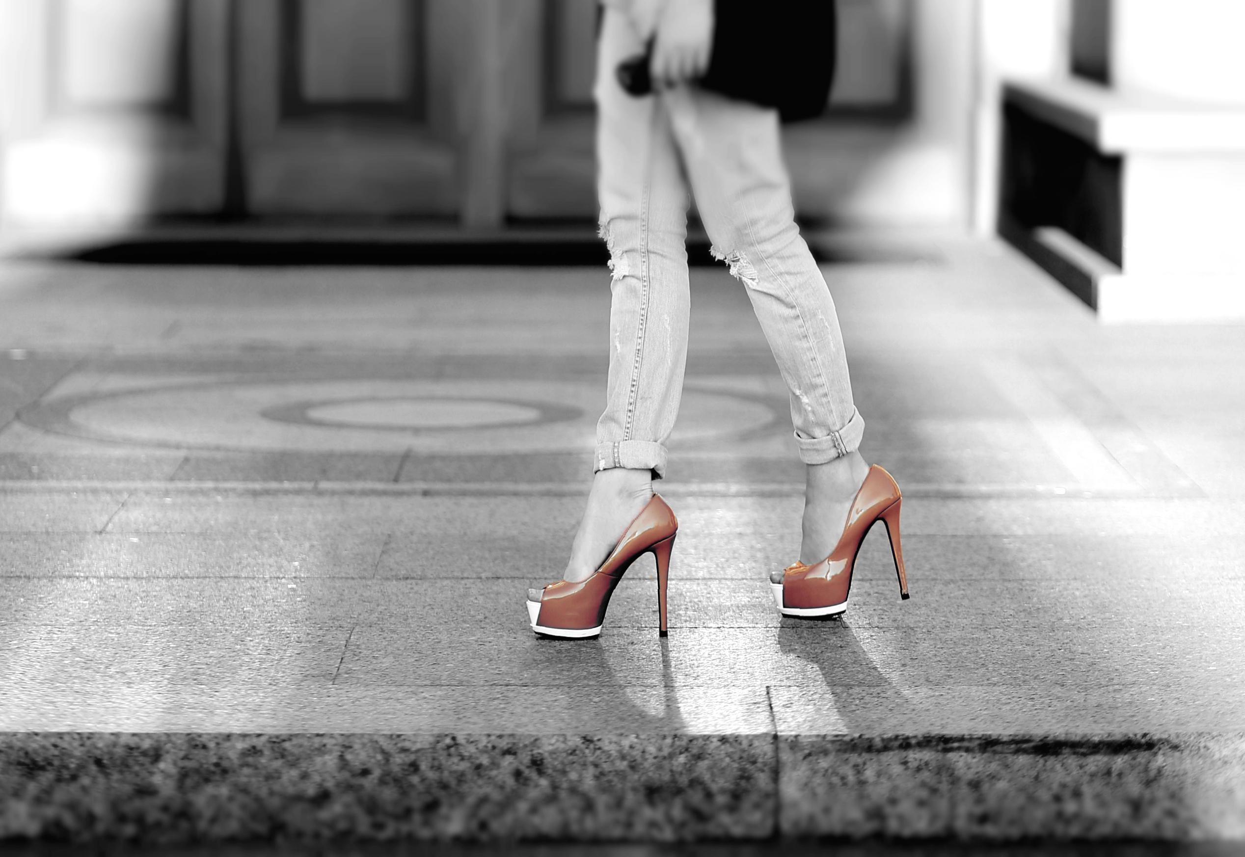 Фото в джинсах только ноги 6 фотография