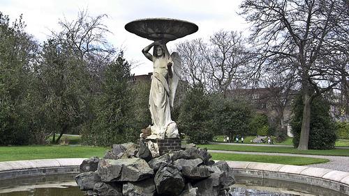 И два фонтана