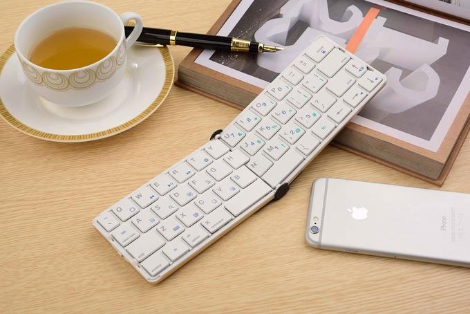 Flyshark — компактная раскладная клавиатура для iPhone, iPad, Android и Windows