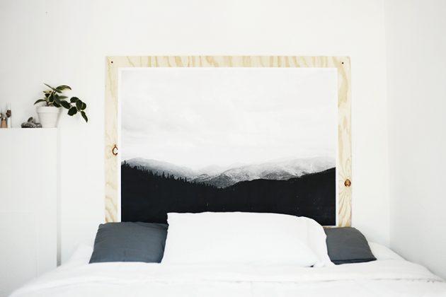 Картина в изголовье кровати