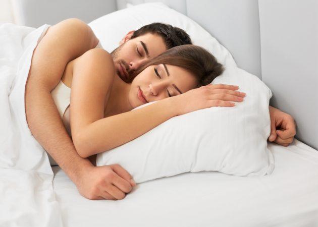 Объятия во сне укрепляют отношения