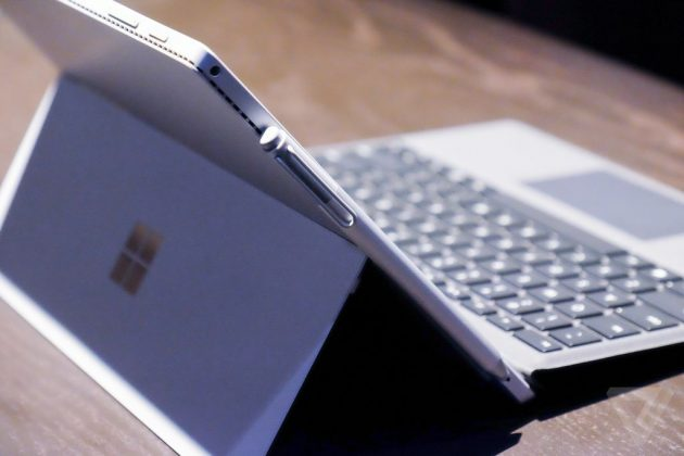 Microsoft Surface 4. Чехол Type Cover