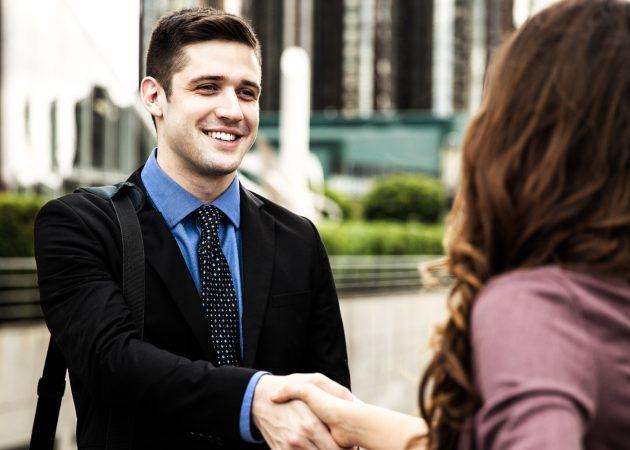 Как поступить, если вы забыли имя человека сразу после знакомства