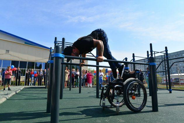 Люди с инвалидностью: Станислав Бураков, спортсмен, пауэрлифтер