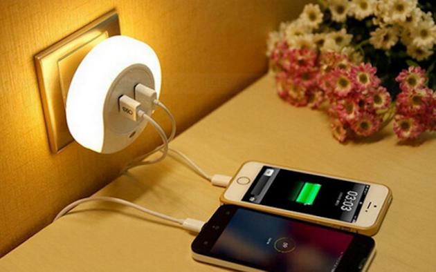 Ночник-зарядка для смартфонов