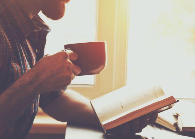 10 книг, которые можно положить под ёлку