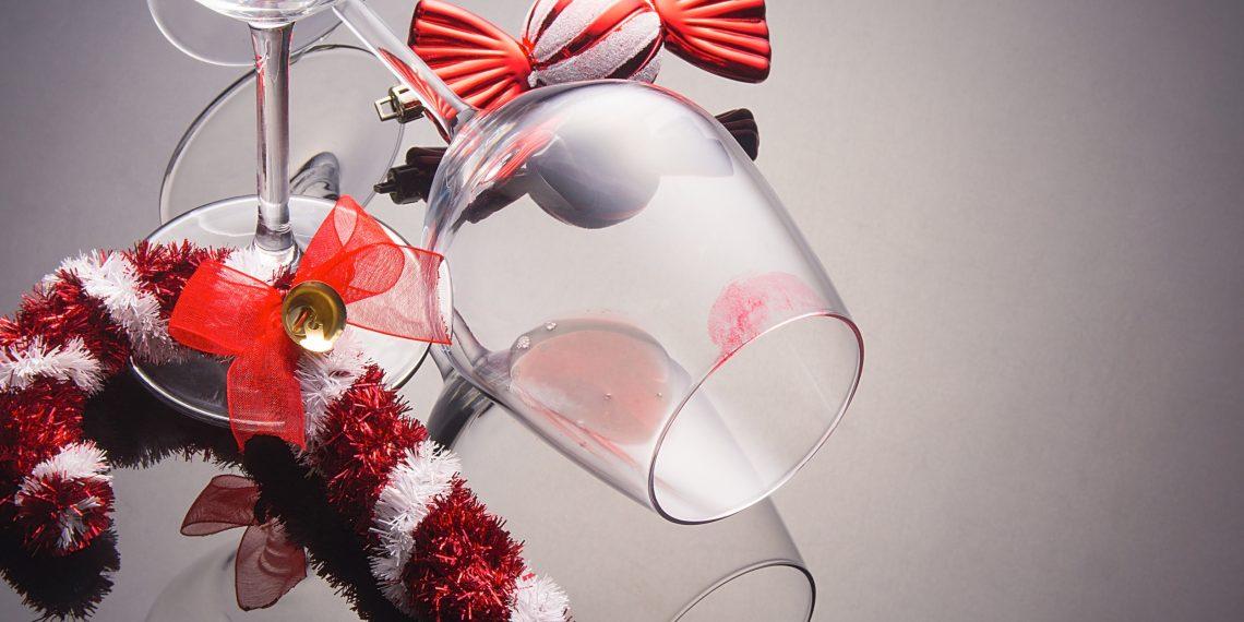 Как не оставлять следов помады на стакане