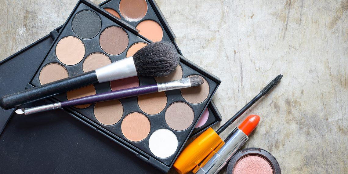 8 способов сэкономить на косметике