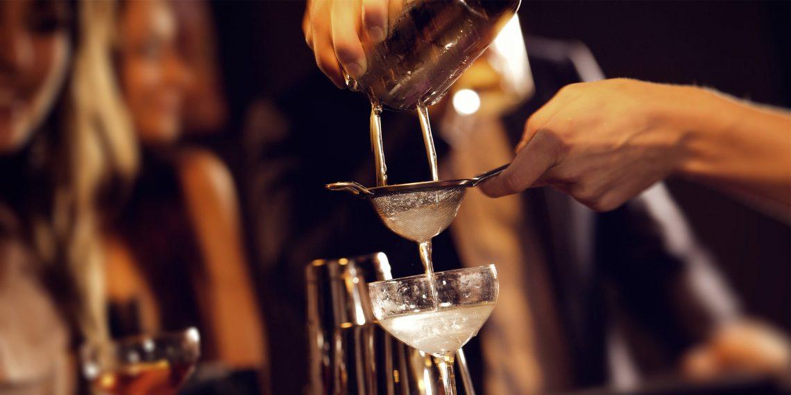 РЕЦЕПТЫ: 3 простых коктейля с шампанским