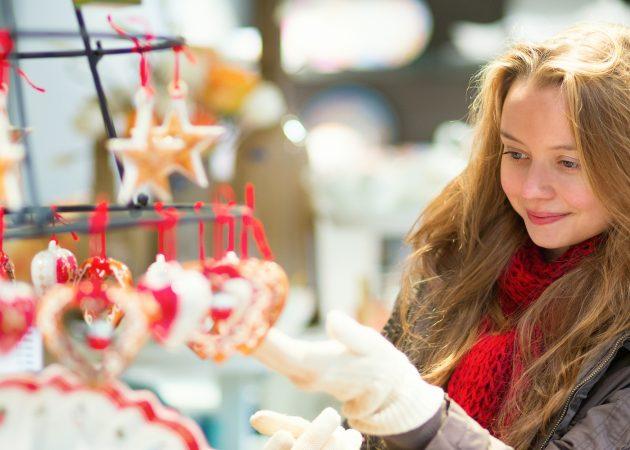 12 психологических трюков, которые помогут меньше тратить в праздники