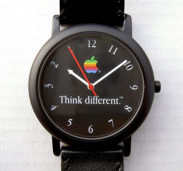 Часы, продававшиеся во время кампании Think Different