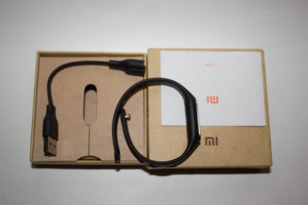 Xiaomi Mi Band 1S: комплектация
